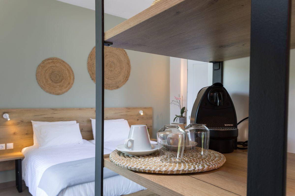 ipsos corfu luxury apartments bathroom 2